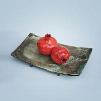 Блюдо, гранаты. Керамика, глазурь