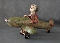 Клоун на ретро-самолете. Глина